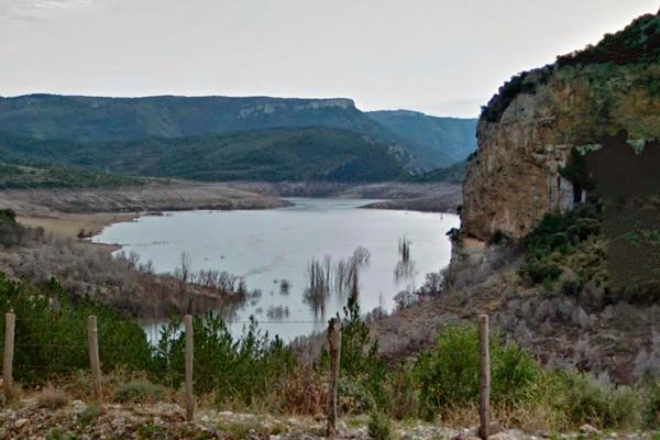 Ruta guiada por el embalse de Itoiz Navarra